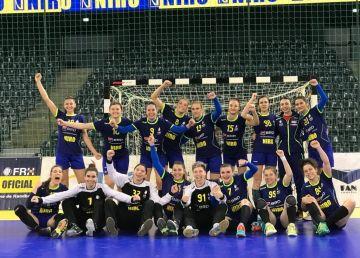 Tadici a convocat 17 jucătoare pentru CM de handbal feminin U 20 de la Debrecen