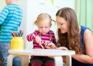Proiect: Vârsta de pensionare a femeilor va fi redusă în funcție de numărul de copii