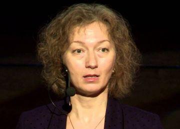 Iohannis a desemnat-o în funcţia de judecător CCR pe Simina Tănăsescu, fosta sa consilieră