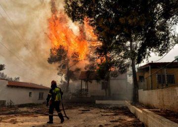 """Există """"indicii serioase"""" că incendiile din Grecia ar fi fost provocate"""