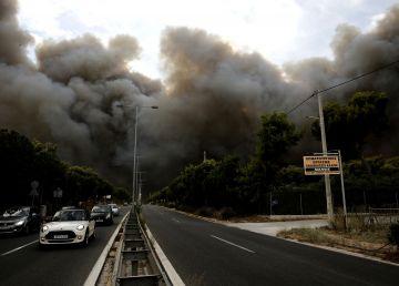 Neglijența, dar și o mână criminală, cauzele dezastrului biblic din Grecia