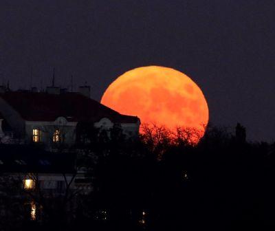 Eclipsă totală de lună. La ce oră se va atinge momentul maxim și de unde poate fi văzută luna