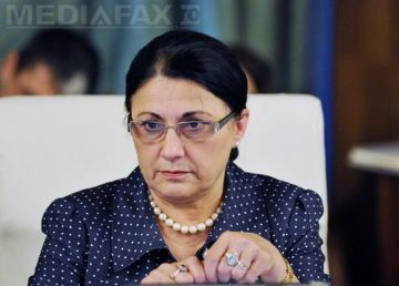 Andronescu a pus tunurile pe Dragnea. O vrea afară din Guvern pe Dăncilă