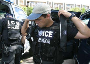 Un oraş american a rămas fără poliţişti
