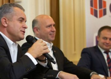 Schimbarea la față a democraților lui Plahotniuc și federalizarea R.Moldova