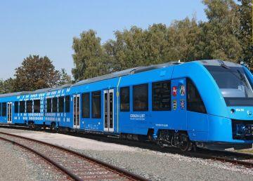 """Premieră pe calea ferată din Germania. S-a inaugurat trenul care lasă în urmă """"epoca diesel"""""""