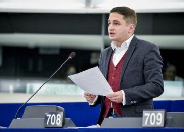 Numărul medicilor care aleg să plece din țară a scăzut cu 70%, spune un eurodeputat PSD