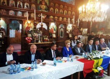 Instructaj pentru referendum cu spatele la Altar. Conferință în biserică cu lideri ai PSD, PNL, ALDE și PMP