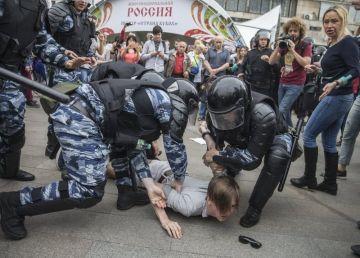 Legea pensiilor a scos rușii în stradă. Sute de arestări