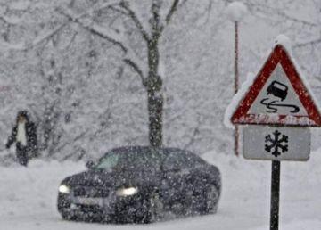 Cod galben de ninsori viscolite în Capitală şi sud-estul României