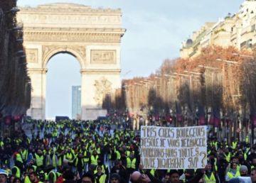 UPDATE. Două zone din Paris, sub asediu. Sute de arestări