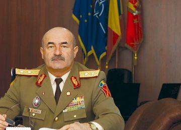 SURSE: Generalul Dumitru Scarlat, în cărţi pentru şefia Statului Major al Apărării
