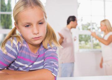 """Dascăl, la clasă: """"Există părinți care au divorțat anul acesta?"""" Impactul divorțului explicat de un psiholog"""