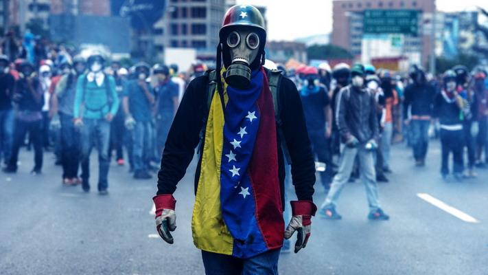 Weekend-ul ce tocmai s-a încheiat a fost deosebit de zbuciumat prin prisma evenimentelor care se întâmplă în Venezuela și care țin prima pagină a tuturor agențiilor de știri. Trebuie să menționăm că adevărata miză a chestiunii este deosebit de importantă: […]