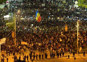 """Freedom House, despre democrație: România este o ţară """"liberă"""""""