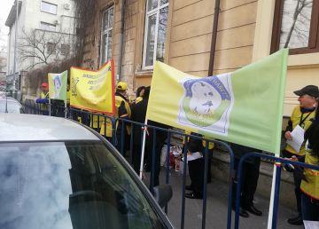 """Protest la Ministerul Educației. Nistor: """"Mă pun în situația bucătăresei din învățământul preșcolar care va pierde peste 1000 de lei la salariu"""""""