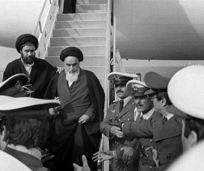 """Video. 40 de ani de la întoarcerea Ayatollahului, creierul din spatele Revoluţiei. """"Dumnezeu este minunat!"""""""