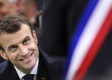 Franța – comedia galbenă continuă