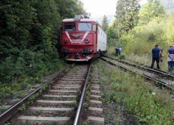 Un nou incident pe calea ferată! Traficul feroviar, blocat între Gherla şi Cluj-Napoca din cauza unui marfar