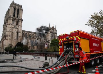 Incendiul devastator de la Notre-Dame a fost stins