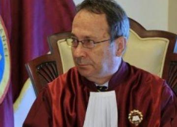 """CCR prelungeşte """"emoţiile lui Dragnea"""" în chestiunea completurilor de 3 judecători"""
