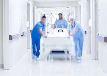 Păcăleală pesedistă în pliantele de campanie trimise pensionarilor. Sistemul sanitar din România, ilustrat cu imagini din spitale din Germania și Africa de Sud