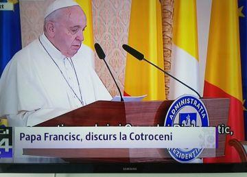 """UPDATE. Papa Francisc, la Bucureşti: """"Aduc un salut tuturor credincioșilor Bisericii Ortodoxe și pe toți membrii Bisericii Catolice"""""""