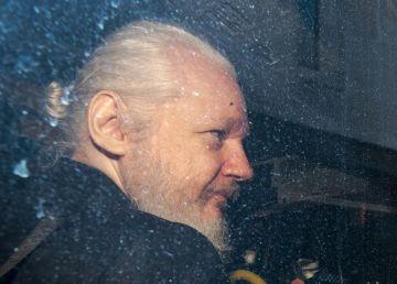 Fondatorul WikiLeaks, condamnat