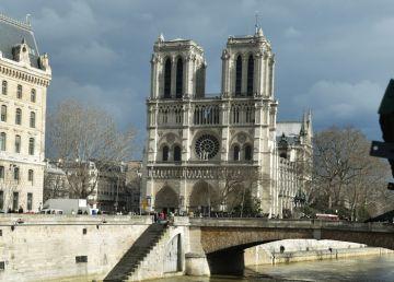 Esplanada din faţa Catedralei Notre-Dame va fi redeschisă publicului