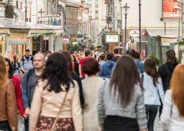 Mai mult de 50% din locuitorii Capitalei sunt salariaţi. Decalaje mari față de celelalte județe