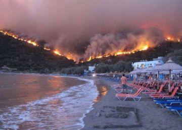 Alertă MAE de călătorie în Gran Canaria (Spania). Un incendiu de mari proporții afectează insula