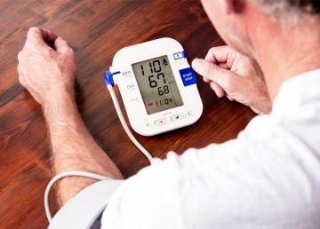 Cum îți poți măsura corect tensiunea arterială acasă. Diabeticii și cei peste 65 de ani, indicații suplimentare