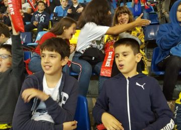 VIDEO. Presa norvegiană, iritată de atmosfera senzaţională de pe Naţional Arena. 30.000 de copii i-au susţinut pe tricolori
