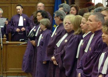 Pensionarea anticipată pentru magistraţi, amânată