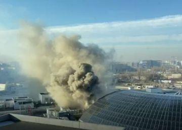 UPDATE. Incendiu la mall-ul AFI Cotroceni din Capitală. Pagubele materiale nu sunt însemnate