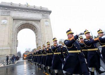 Peste 4000 de militari, la Parada de la Arcul de Triumf, de Ziua Națională a României