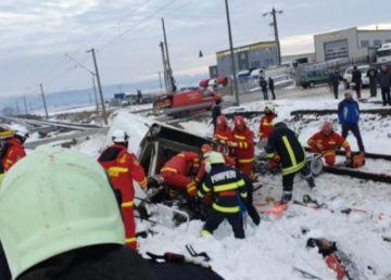 UPDATE. FOTO. Accident feroviar la Suceava. O persoana a decedat, iar alta este grav rănită