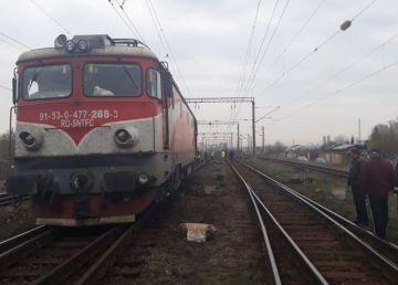 Un nou incident pe calea ferată. Locomotiva trenului 74-1 a deraiat