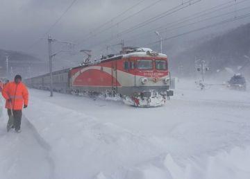 35 de trenuri, anulate de CFR Călători din cauza vremii nefavorabile