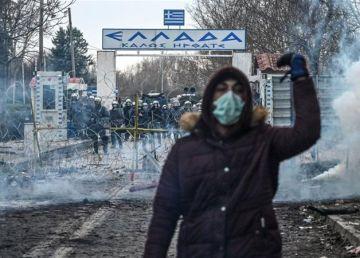 """VIDEO.13.000 de migranți amenință frontiera Greciei. Erdogan: """"Am deschis porţile. Şi nu le vom închide"""""""