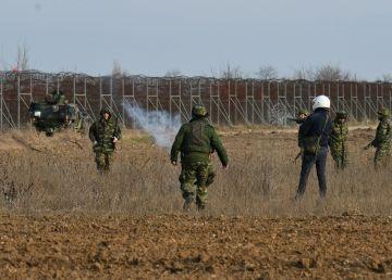 FOTO. VIDEO. Noi incidente la frontiera dintre Turcia şi Grecia. Un nou asalt al migranţilor, în desfăşurare la Kastanies
