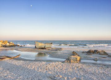 Românii, așteptați la plajă de la 1 iunie. Ordinul comun privind măsurile anti COVID-19, publicat în Monitorul Oficial
