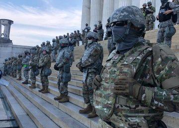 UPDATE. FOTO.VIDEO. Pentagonul a desfăşurat 1600 de militari la Washington DC. 64 % dintre americani sunt solidari cu protestatarii