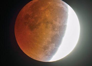 A doua eclipsă de lună prin penumbră din acest an, vizibilă în această seară în România