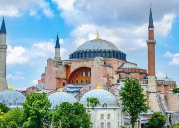 O instanţă turcă va decide vineri statutul Hagiei Sophia. O nouă fractură între Orient şi Occident