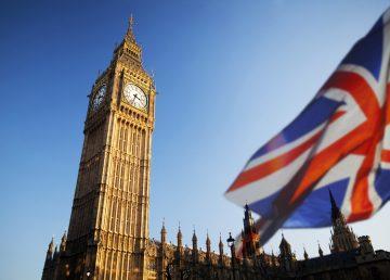 Londra ia în calcul revenirea la măsurile de carantină