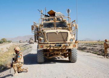 """UPDATE. Doi militari români au fost răniți în Afganistan. Iohannis: """"Asigur familiile militarilor noştri că cei dragi primesc cele mai bune îngrijiri medicale"""""""