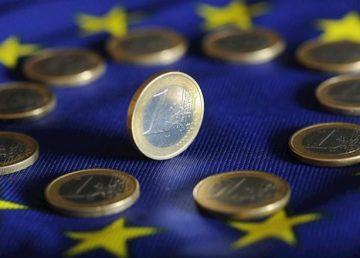 """CE: """"Încrederea în economia zonei EURO, în scădere în noiembrie"""". Noile restricții au afectat serviciile și retailul"""