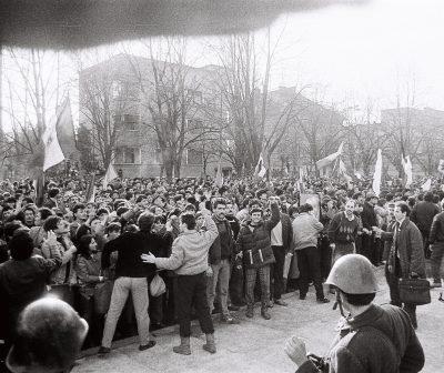 """VIDEO. 31 de ani de la izbucnirea Revoluției Române la Timișoara. 16 decembrie 1989, prima zi când timișorenii au scandat: """"Jos Ceaușescu!"""""""
