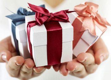 STUDIU. 58% dintre consumatori vor cheltui mai puțin pentru cadourile de Crăciun. Pandemia schimbă regulile consumului
